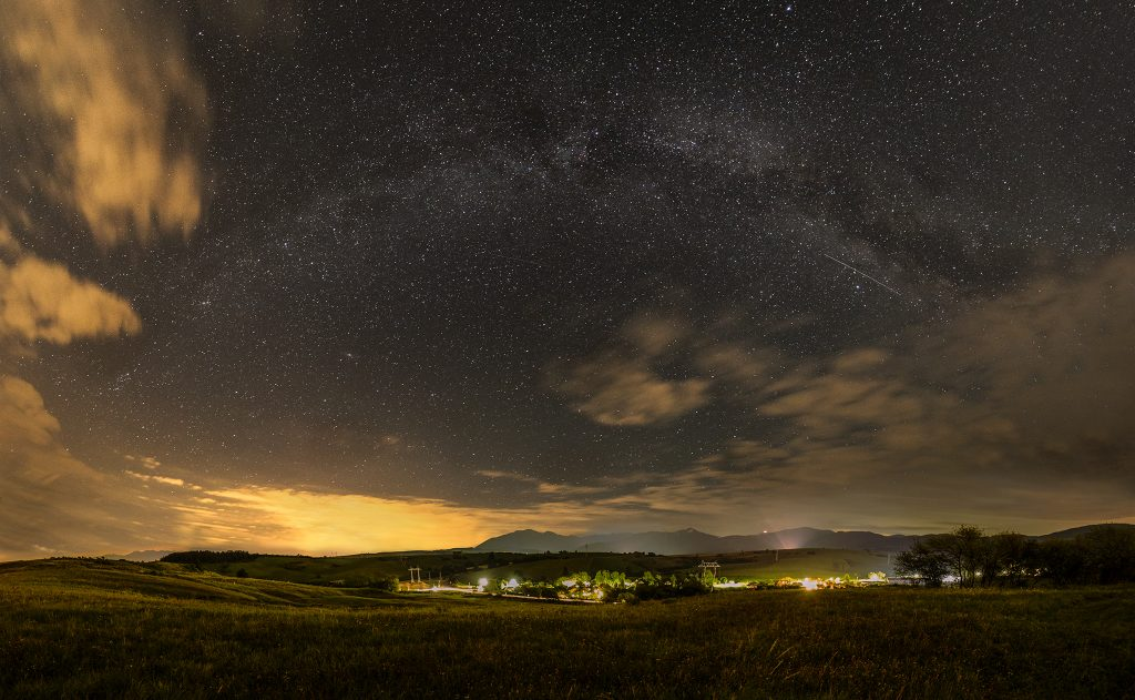 Mliečna dráha nad liptovskou dedinou Malatíny